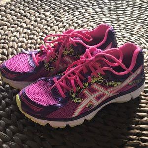 ASICS shoes. Women's 9.5. Like new!
